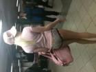 Un pétasse prend le métro en petite culotte !!!